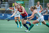 AMSTELVEEN -   Elena Rayer (Eng)  met Sarah Hawkshaw (Ier)    tijdens de wedstrijd dames , Ierland-Engeland (1-5) bij het  EK hockey , Eurohockey 2021.COPYRIGHT KOEN SUYK
