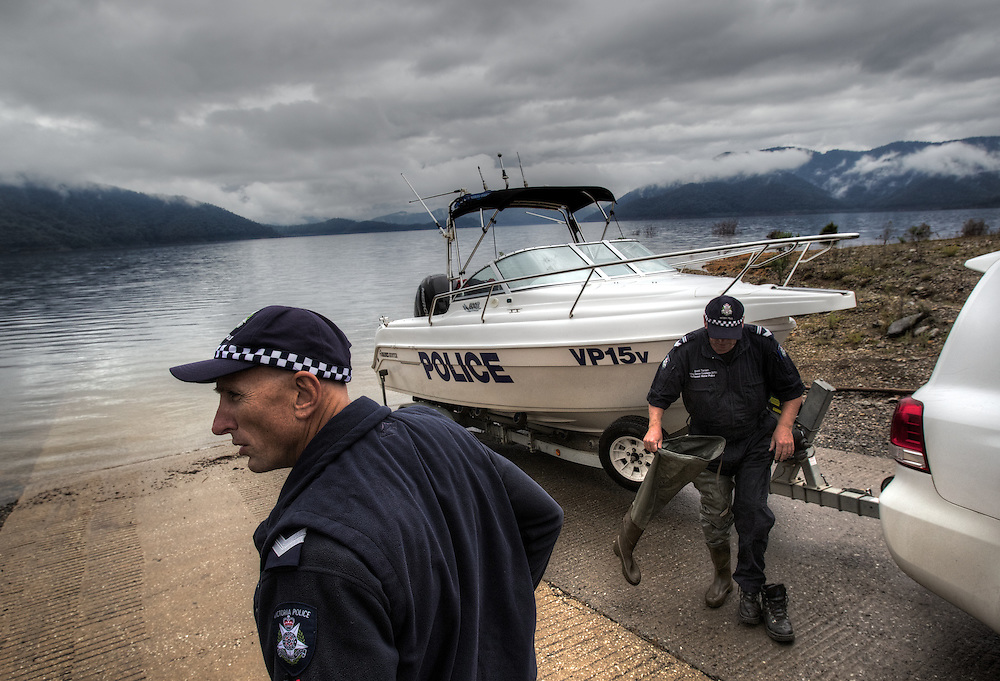 Mitta Mitta, one policeman town. Following the working life of Leading Senior Constable John Kissane. On Lake Dartmouth with Water Police Leading Senior Constable Brett Tanian, checking boat & gun licenses. Pic By Craig Sillitoe CSZ/The Sunday Age.27/03/2012 This photograph can be used for non commercial uses with attribution. Credit: Craig Sillitoe Photography / http://www.csillitoe.com<br /> <br /> It is protected under the Creative Commons Attribution-NonCommercial-ShareAlike 4.0 International License. To view a copy of this license, visit http://creativecommons.org/licenses/by-nc-sa/4.0/.