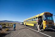 De toeschouwers komen aan op de tweede racedag van het WHPSC. In de buurt van Battle Mountain, Nevada, strijden van 10 tot en met 15 september 2012 verschillende teams om het wereldrecord fietsen tijdens de World Human Powered Speed Challenge. Het huidige record is 133 km/h.<br /> <br /> Spectators are arriving at the WHPSC. Near Battle Mountain, Nevada, several teams are trying to set a new world record cycling at the World Human Powered Speed Challenge from Sept. 10th till Sept. 15th. The current record is 133 km/h.