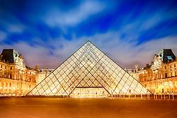 O Museu do Louvre (Musée du Louvre), instalado no Palácio do Louvre, em Paris, é um dos maiores e mais famosos museus do mundo. Localiza-se no centro de Paris, entre o rio Sena e a Rue de Riral dos Champs-Élysées. FOTO: Jefferson Bernardes/ Agência Preview