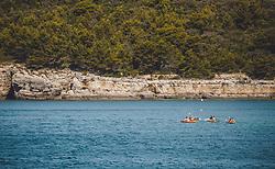 THEMENBILD - eine Gruppe von Kajakfahrer vor der Küste, aufgenommen am 27. Juni 2018 in Pula, Kroatien // a group of kayakers infront the coast, Pula, Croatia on 2018/06/27. EXPA Pictures © 2018, PhotoCredit: EXPA/ JFK