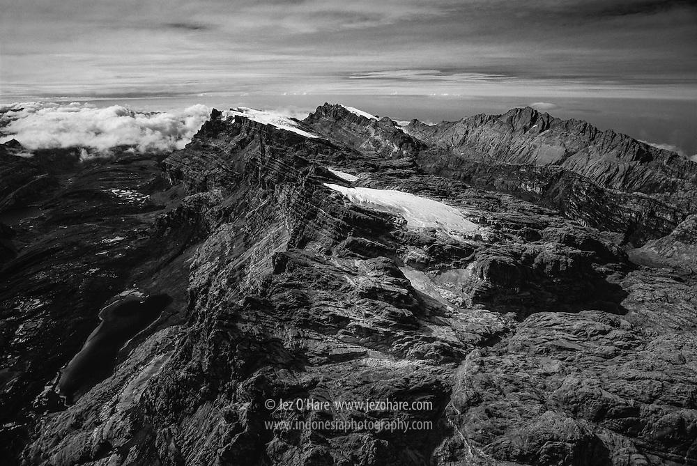 Puncak Jaya & Carstensz 4880m, Papua, Indonesia.