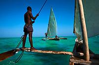 Tanzanie, archipel de Zanzibar, île de Unguja (Zanzibar), pêcheurs à Jambiani // Tanzania, Zanzibar island, Unguja, fisher at Jambiani