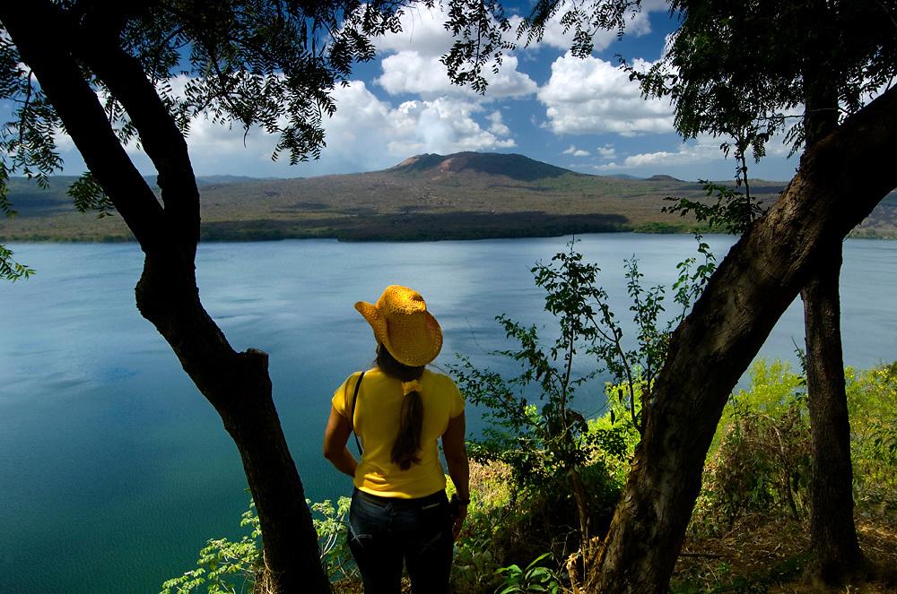 Nicaragua / Masaya / Laguna de Masaya / Masaya Volcano
