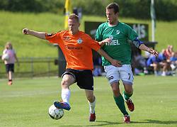 Daniel Udsen (FC Helsingør) og Casper Windfeld (Avarta) under kampen i 2. Division Øst mellem Boldklubben Avarta og FC Helsingør den 19. august 2012 i Espelunden. (Foto: Claus Birch).