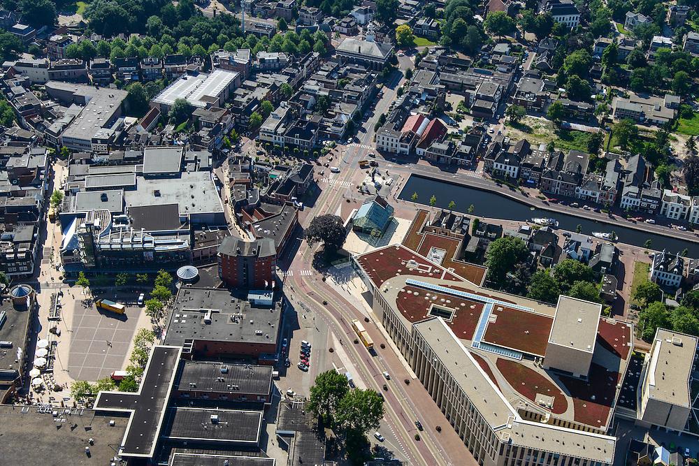 Nederland, Drenthe, Assen, 27-08-2013;<br /> Centrum Assen met winkelstraten en de Vaart ZZ (rechts) en de Jozefkerk midden boven.<br /> Center of the village of Assen with shopping streets  and head of Vaart ZZ (canal). <br /> luchtfoto (toeslag op standaard tarieven);<br /> aerial photo (additional fee required);<br /> copyright foto/photo Siebe Swart.