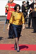 Aankomst van Khadija Arib tijdens Prinsjesdag bij de Grote kerk. De koning zal  de troonrede voorlezen in de Grote Kerk aan leden van de Eerste en Tweede Kamer.