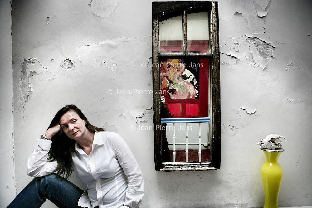 Nederland, Amsterdam,30 december 2007..Threes Anna is schrijver en regisseur. Zij werkt op het gebied van literatuur, film en theater. Van 1985 tot 1999 werkte zij bij theatergroep Dogtroep. Van 1990 tot 1999 was zij de artistiek leider en schreef en regisseerde meer dan 50 voorstellingen die over de hele wereld werden gespeeld..Threes Anna is a writer and director in the field of literature, film and theater. She worked mostly for theater Dogtroep.