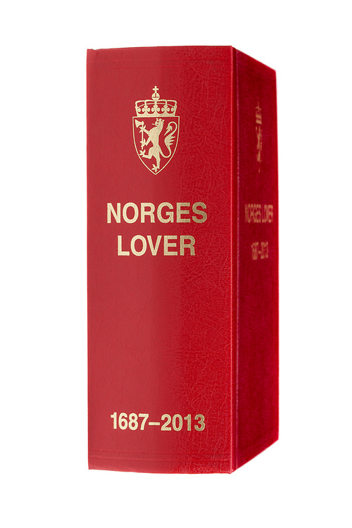 Norges lover, utgave -2013. Stående, lett venstrerotert, isolert mot hvitt.