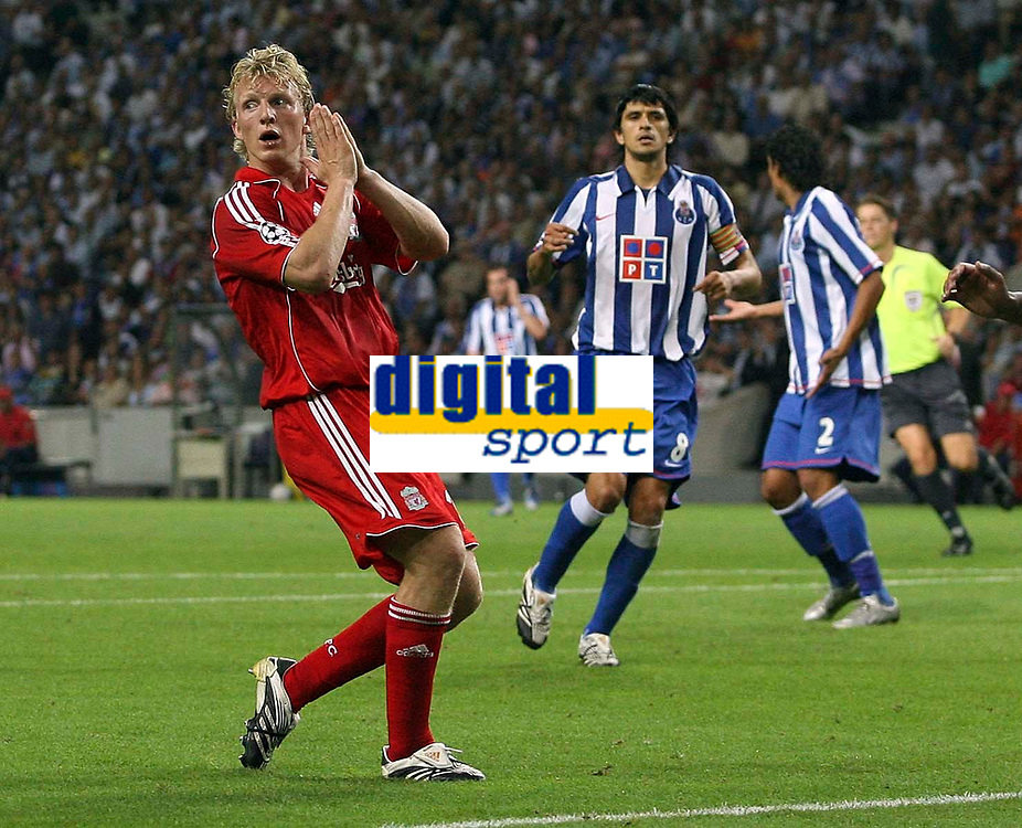 Photo: Paul Thomas.<br /> Porto v Liverpool. UEFA Champions League Group A. 18/09/2007.<br /> <br /> Dirk Kuyt of Liverpool can't believe he misses a chance to scorer again.