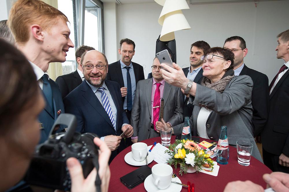 22 FEB 2017, LUEBBEN/GERMANY:<br /> Martin Schulz (2.v.L.), SPD, Kanzlerkandidat, besucht einen Empfang mit Ehrenaemtlern, Spreewaldklinik<br /> IMAGE: 20170222-01-110<br /> KEYWORDS: Ehrenamtsempfang
