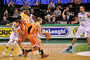 DESCRIZIONE : Treviso Lega due 2015-16  Universo Treviso De Longhi - Aurora Basket Jesi<br /> GIOCATORE : davide moretti<br /> CATEGORIA : blocco<br /> SQUADRA : Universo Treviso De Longhi - Aurora Basket Jesi<br /> EVENTO : Campionato Lega A 2015-2016 <br /> GARA : Universo Treviso De Longhi - Aurora Basket Jesi<br /> DATA : 31/10/2015<br /> SPORT : Pallacanestro <br /> AUTORE : Agenzia Ciamillo-Castoria/M.Gregolin<br /> Galleria : Lega Basket A 2015-2016  <br /> Fotonotizia :  Treviso Lega due 2015-16  Universo Treviso De Longhi - Aurora Basket Jesi