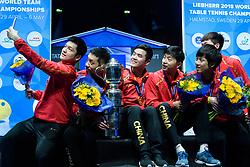 May 6, 2018 - Halmstad, SVERIGE - 180506 Kinas lag jublar med sina guldmedaljer och pokalen pÃ¥ prisutdelningen under dag 8 av Lag-VM i Bordtennis den 6 maj 2018 i Halmstad  (Credit Image: © Carl Sandin/Bildbyran via ZUMA Press)