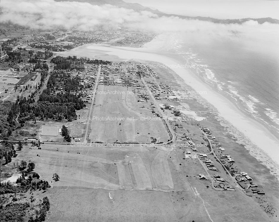"""Ackroyd 09822-09. """"Oregonian. aerials. June 28, 1960"""" """"Gearhart Hotel"""""""
