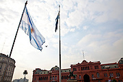 Buenos Aires, Argentina...Imagens da cidade de Buenos Aires, capital da Argentina. Na foto a Casa Rosada em frente a Praca de Maio...Buenos Aires, It is the capital of Argentina. In this photo, The Casa Rosada in front of Maio square...Foto: JOAO MARCOS ROSA / NITRO