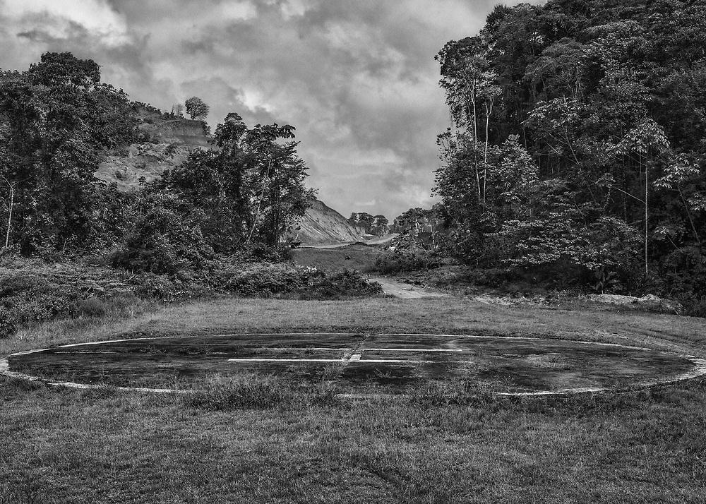 Saint-Elie, Guyane, 2015.<br /> <br /> Piste d'hélicoptère, seul moyen d'accès légal à la commune.