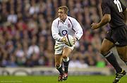 Twickenham. Surrey. UK England vs New Zealand, Autumn Internationals.<br /> Jonny WILKINSON. <br /> 09/11/2002<br /> International Rugby England vs New Zealand
