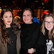 NLD/Amsterdam/20111222 - Wintercircus 2011 Carre, Xandra Brood - Jansen met kinderen Holly en Lola