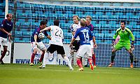 Fotball<br /> Tippeligaen<br /> Ullevål Stadion 13.07.14<br /> Vålerenga VIF - Rosenborg RBK<br /> Rosenborg roper etter straffe etter denne situasjonen , Morten Berre får ballen i brystet<br /> Foto: Eirik Førde