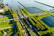 Nederland, Flevoland, Lelystad, 07-05-2018; Bataviastad, Houtribsluizen, sluizencomplex op de vaarroute tussen Amsterdam en Lemmer bij Lelystad. <br /> Het sluizencomplex bestaat uit twee schutsluizen en een meervoudige spuisluis.<br /> Houtrib locks, lock complex on the route between Amsterdam and Lemmer at Lelystad.<br /> The lock complex consists of two shipping locks and multiple drain sluices.<br /> luchtfoto (toeslag op standard tarieven);<br /> aerial photo (additional fee required);<br /> copyright foto/photo Siebe Swart