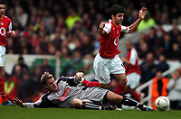 Fotball<br /> FA Cup tredje runde<br /> 09.01.2005<br /> Foto: Fotosports/Digitalsport<br /> NORWAY ONLY<br /> <br /> Arsenal v Stoke City<br /> <br /> Francesco Fabregas Arsenal - Chris Greenacre Stoke City