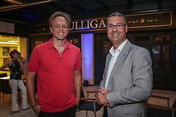 Paulo César Kuhn e Mathias Rodrigues no coquetel para patrocinadores, parceiros e lojistas do Viva Open Mall. FOTO: Jefferson Bernardes/ Agência Preview