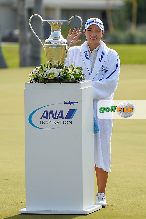 Mirim Lee (KOR) and the trophy for winning the 2020 ANA Inspiration, Mission Hills C.C., Rancho Mirage, California, USA. 9/13/2020.<br /> Picture: Golffile | Ken Murray<br /> <br /> All photo usage must carry mandatory copyright credit (© Golffile | Ken Murray)