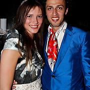 NLD/Amsterdam/20100521 - Uitreiking Dutch Model Awards 2010, Rosalinde Kikstra kreeg de allereerste Muze Award uit handen van Sepehr Maghsoudi