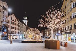 THEMENBILD - leere Strassen am Abend in der Tiroler Landeshauptstadt, aufgenommen am 23. Jänner 2021 in Innsbruck, Oesterreich // Empty streets in the Tyrolean capital in the evening in Innsbruck, Austria on 2021/01/23. EXPA Pictures © 2021, PhotoCredit: EXPA/ JFK
