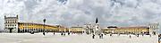 Lissabon, de hoofdstad en de grootste stad van Portugal met Mosteiro dos Jeronimos <br /> <br /> Lisbon, the capital and largest city of Portugal with Mosteiro dos Jeronimos<br /> <br /> Op de foto / On the Photo:  Praça do Comércio, with the Rua Augusta Arch, in the Lisbon Baixa.