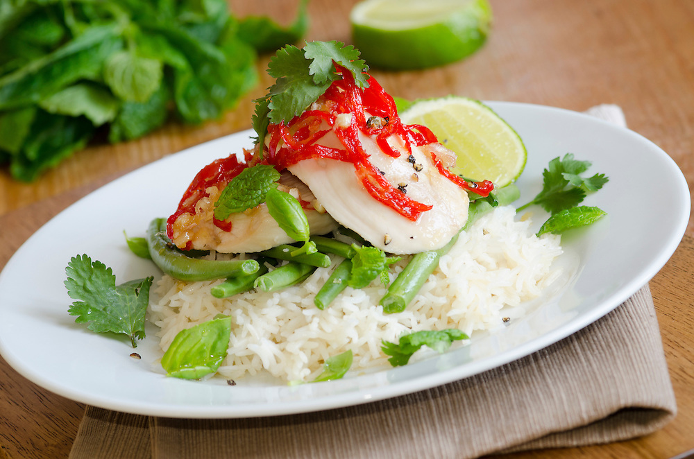 Chicken breast with sticky chilli sauce, green beans and boiled rice