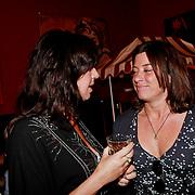 NLD/Amsterdam/20110413 - Mama of the Year award 2011, Isa Hoes, Amanada Krabbe - Beekman