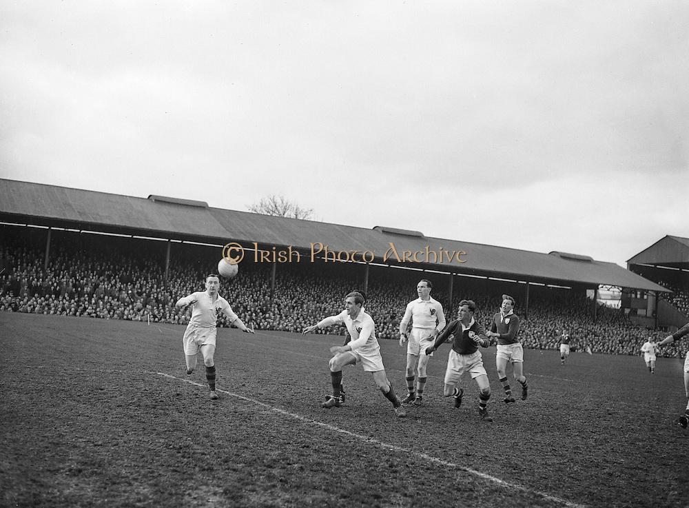 Neg No:.719/9756-9761..17031955IPFCF..17.03.1955..Interprovincial Railway Cup Football - Final..Leinster.1-14.Connacht.1-10..