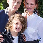 NLD/Laren/20130103 - Huwelijk Laura Ruiters, Leontien Borsato Ruiters en kinderen Luca en Senna