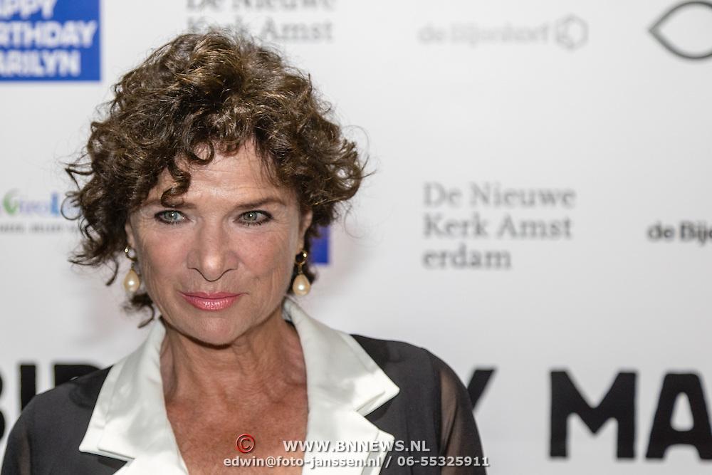 NLD/Amsterdam/20160929 - VIP opening 90 Jaar Marilyn, Linda van Dijck
