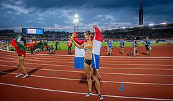 08-07-2016 NED: European Athletics Championships day 3, Amsterdam<br /> Dafne Schippers heeft in Amsterdam haar Europese titel op de 100 meter geprolongeerd. De 24-jarige Utrechtse was voor een uitverkocht Olympisch Stadion in de finale veel te sterk voor de concurrentie. Schippers zegevierde in 10,90 seconden. Tweede werd de Bulgaarse Ivet Yalova Collio