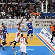 Anadolu Efes's Cedi Osman (C) during their Turkish Airlines Euroleague Basketball Top 16 Round 5 match Anadolu Efes between Olympiacos Piraeus at Abdi ipekci arena in Istanbul, Turkey, Thursday January 29, 2015. Photo by Aykut AKICI/TURKPIX