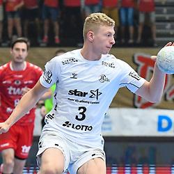Kiels Ehrig, Sven mit dem Ball beim Spiel in der Handball Bundesliga, Die Eulen Ludwigshafen - THW Kiel.<br /> <br /> Foto © PIX-Sportfotos *** Foto ist honorarpflichtig! *** Auf Anfrage in hoeherer Qualitaet/Aufloesung. Belegexemplar erbeten. Veroeffentlichung ausschliesslich fuer journalistisch-publizistische Zwecke. For editorial use only.
