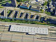 Nederland, Noord-Holland, Gemeente Amsterdam; 02-09-2020; Watergraafsmeer, Rangeerterrein Watergraafsmeer, emplacement. Remises en werkplaatsen NS Operatie Onderhoudsbedrijf Watergraafsmeer. De zigzag flats zijn onderdeel van de Campus van het Science Park, Universiteit van Amsterdam.<br /> Watergraafsmeer marshalling yard, railway yard. Depots and workshops NS Operation Maintenance Company Watergraafsmeer. The zigzag flats are part of the Campus of the Science Park, University of Amsterdam.<br /> <br /> luchtfoto (toeslag op standaard tarieven);<br /> aerial photo (additional fee required)<br /> copyright © 2020 foto/photo Siebe Swart