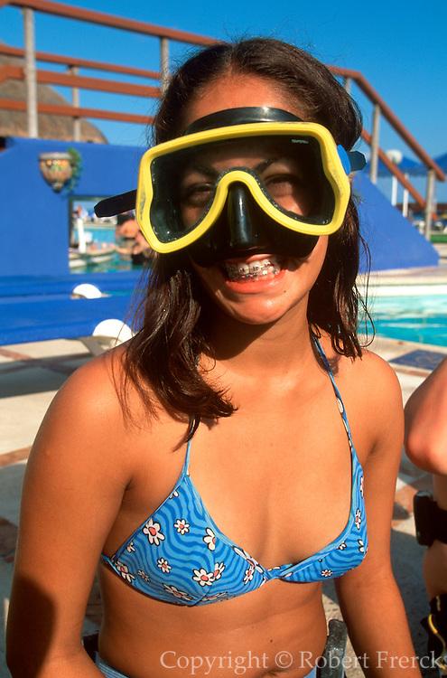 MEXICO, YUCATAN, TOURISM Cancun, hotel scuba diving class