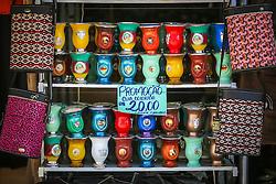 Gaúchos celebram a cultura tradicionalista e comércio de cuias para chimarrão no Acampamento Farroupilha, no Parque da Harmonia, em Porto Alegre. Em comemoração aos 180 anos da proclamação da República Rio-grandense, na revolução conhecida como Guerra dos Farrapos, o acampamento é composto por cerca de 400 piquetes organizados por grupos tradicionalistas, empresas e agremiações, onde se cultivam os hábitos da tradição gaúcha. FOTO: Gustavo Roth / Agência Preview