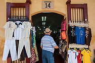 """The living quarters for the troops behind the walls of Cartagena de Indias were called """"bovedas""""( burials). Today they have been transformed into a center for selling crafts at a good price and often of low quality."""