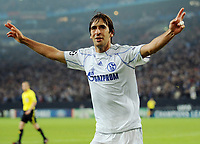 Fotball<br /> Tyskland<br /> 20.10.2010<br /> Foto: Witters/Digitalsport<br /> NORWAY ONLY<br /> <br /> Jubel 2:0 Raul (Schalke)<br /> Champions League, Gruppenphase, FC Schalke 04 - Hapoel Tel Aviv