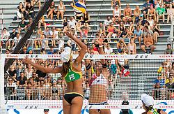 29.07.2017, Donauinsel, Wien, AUT, FIVB Beach Volleyball WM, Wien 2017, x, Gruppe x, im Bild v.l. Elize Secomandi Maia (BRA), Joana Heidrich (SUI) // f.l. Elize Secomandi Maia of Brazil Joana Heidrich of Switzerland during the Xmen's group X match of 2017 FIVB Beach Volleyball World Championships at the Donauinsel in Wien, Austria on 2017/07/29. EXPA Pictures © 2017, PhotoCredit: EXPA/ Sebastian Pucher