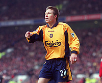 Nick Barmby - Liverpool. Manchester United v Liverpool. FA Premiership, 17/12/2000. Credit: Colorsport / Andrew Cowie.