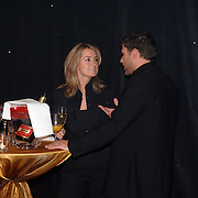 NLD/Amsterdam/20051128 - Uitreiking Beau Monde Awards 2005, Monique Verkaart in gesprek met Greg Vaughn