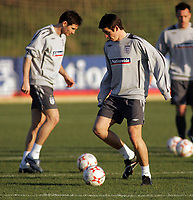 Photo: Paul Thomas.<br />England training session. 05/02/2007.<br /><br />Frank Lampard (L) and Joey Barton during England training.