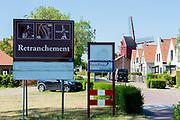Retranchement is een plaats in de gemeente Sluis, in de Nederlandse provincie Zeeland. De plaats, in het westen van de regio Zeeuws-Vlaanderen, ligt aan de grens met België tussen het Belgische Knokke-Heist en het Nederlandse Cadzand.