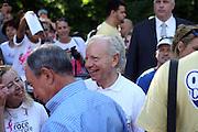 13 September 2009- NY, NY l to r:  Senator Joe Libermann, with wife Hadassah Libermann, Uma Thurman and Mayor Michael Bloomberg at The Annual Komen New York City Race for the Cure held at West 77th Street and Central Park West on September 13, 2009 in New York City.  Photo credit: Terrence Jennings/Sipa Press