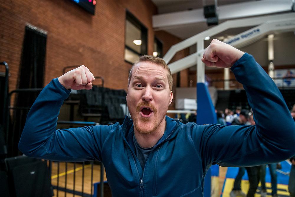 ÖSTERSUND 20200127<br /> Nisse Johansson är jublande glad efter måndagens match i basketligan mellan Jämtland Basket och Köping Stars i Östersunds Sporthall.<br /> <br /> Foto: Per Danielsson/Projekt.P
